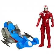 Железный человек  с боевой машиной из серии Титаны